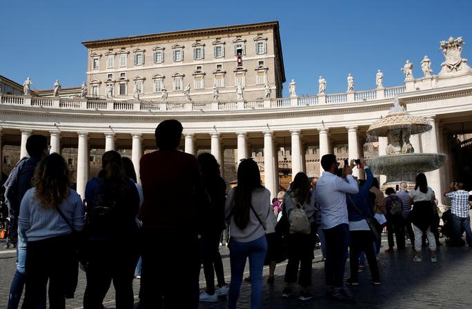 Vatican lần đầu tiết lộ khối bất động sản khổng lồ - Ảnh 2.