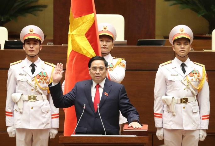 CLIP: Thủ tướng Phạm Minh Chính tuyên thệ nhậm chức - Ảnh 2.