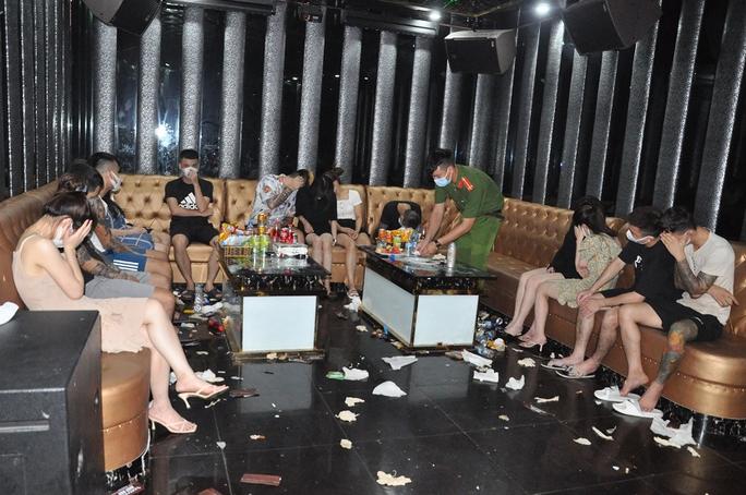Khởi tố vụ án tàng trữ, mua bán ma túy tại quán karaoke Bad Buy - Ảnh 1.