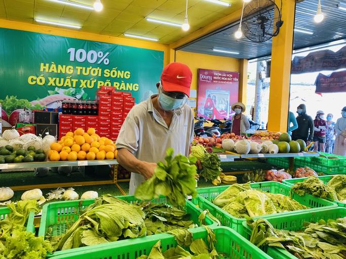 Thực hư việc phân biệt khi phát phiếu mua thực phẩm ở phường Linh Xuân, TP Thủ Đức - Ảnh 1.
