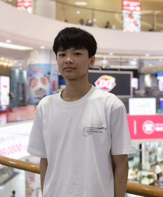 Nam sinh trường huyện Hải Phòng trở thành thủ khoa khối A - Ảnh 1.