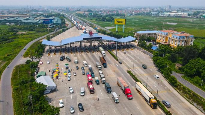 Đề nghị bố trí CSGT dẫn đoàn tại chốt kiểm soát dịch ở Hà Nội để tránh ùn tắc - Ảnh 1.
