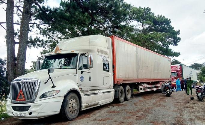 Tạm giữ 29 tấn khoai tây Trung Quốc ngược lên Đà Lạt giữa lúc dịch bệnh - Ảnh 3.