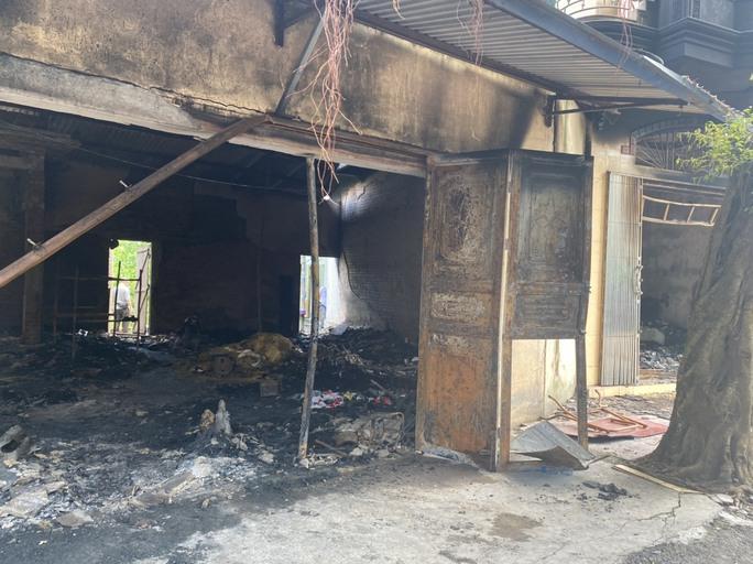 2 vợ chồng tử vong trong vụ cháy cửa hàng đồ điện có dấu hiệu tội phạm - Ảnh 3.