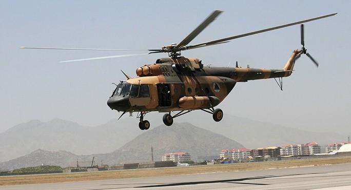 Taliban tuyên bố bắn hạ trực thăng quân đội Afghanistan - Ảnh 1.