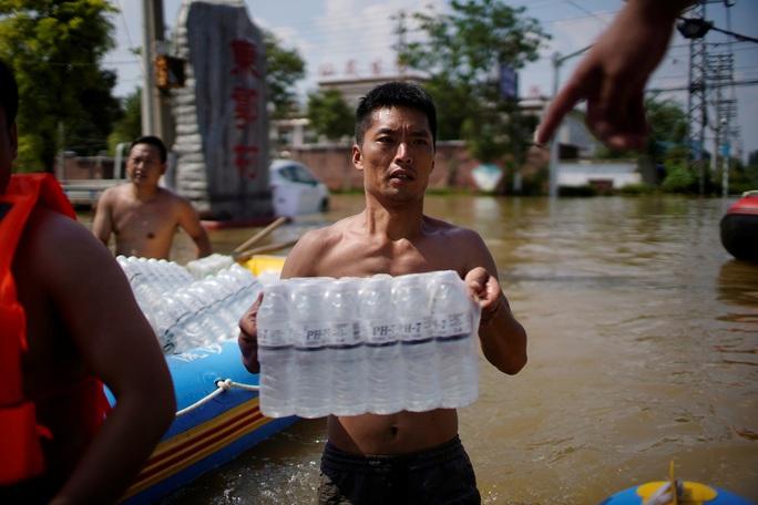 Mưa lũ Trung Quốc: Người chết gia tăng, thêm cảnh báo ảm đạm - Ảnh 5.