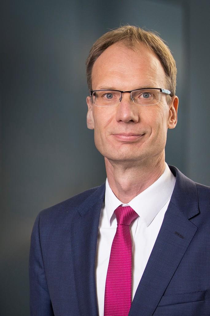 Cựu Phó chủ tịch Volkswagen Mỹ làm Tổng giám đốc VinFast toàn cầu - Ảnh 1.