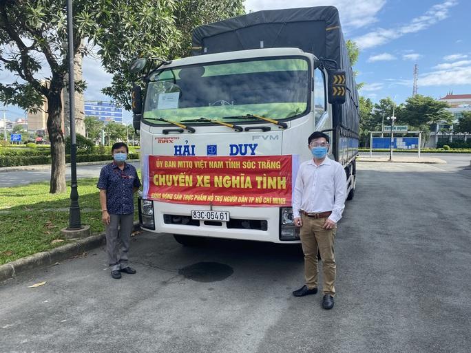 Tỉnh Sóc Trăng gửi 60 tấn nông sản hỗ trợ công nhân TP HCM chống dịch - Ảnh 1.