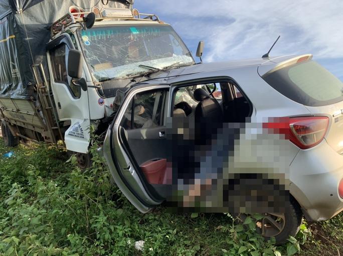 Tai nạn thảm khốc làm 3 người trong gia đình tử vong tại chỗ - Ảnh 2.