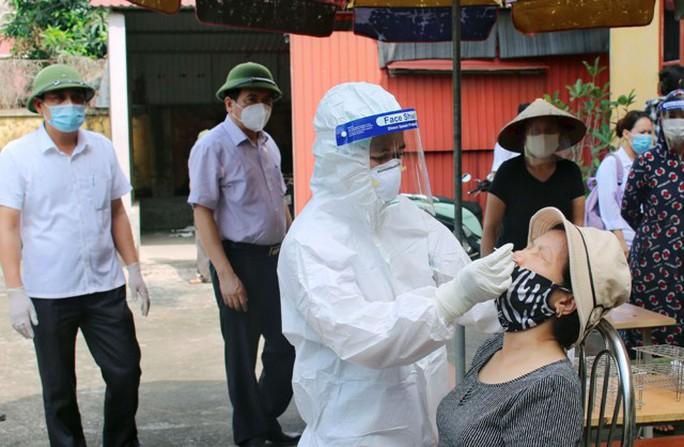 5 người trong gia đình làm nhà hàng dương tính SARS-CoV-2 - Ảnh 2.