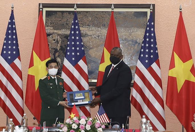 Hai bộ trưởng quốc phòng Việt Nam - Mỹ hội đàm - Ảnh 5.