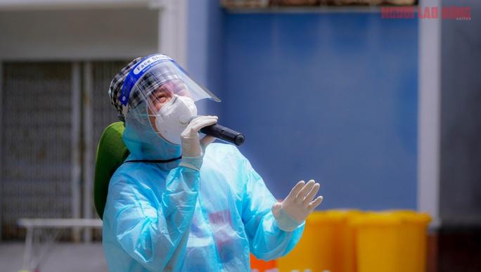 Tiếng cười rộn vang trong bệnh viện dã chiến - Ảnh 14.