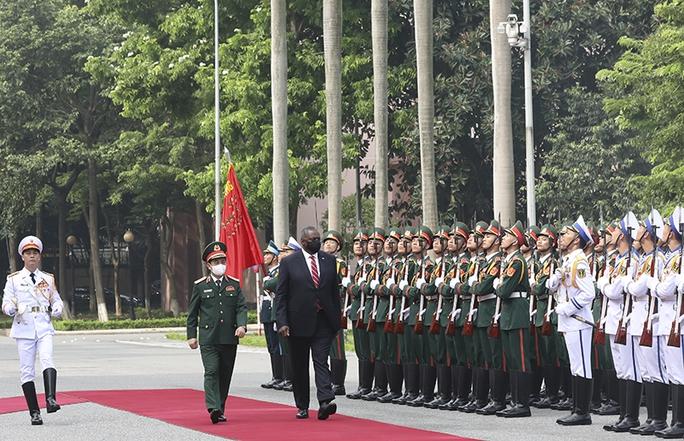 Hai bộ trưởng quốc phòng Việt Nam - Mỹ hội đàm - Ảnh 1.