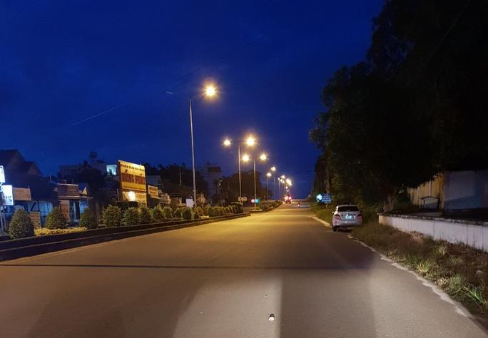Chùm ảnh: Phú Quốc ngày đầu thực hiện không ra đường sau 18 giờ - Ảnh 11.