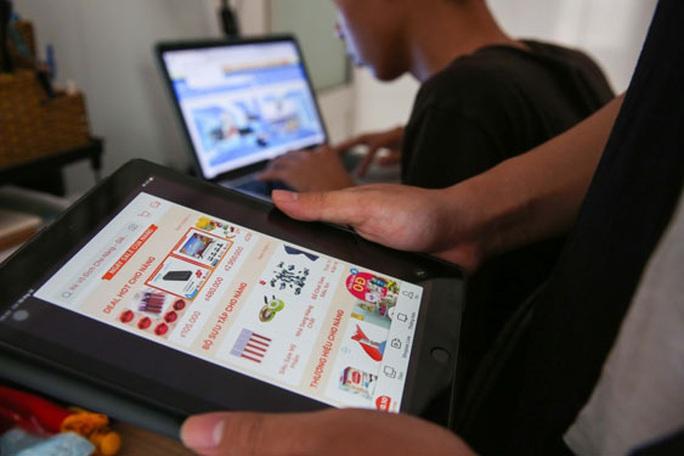 Sợ lộ thông tin cá nhân người bán hàng trên chợ mạng - Ảnh 1.