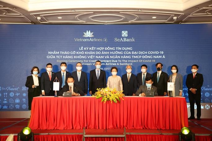Vietnam Airlines và SeABank ký hợp đồng cho vay tái cấp vốn 2.000 tỉ đồng - Ảnh 1.