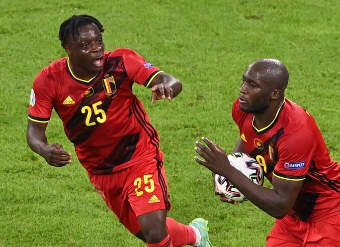 Tấn công rực lửa, Ý hạ gục đội bóng số 1 thế giới vào bán kết Euro - Ảnh 5.