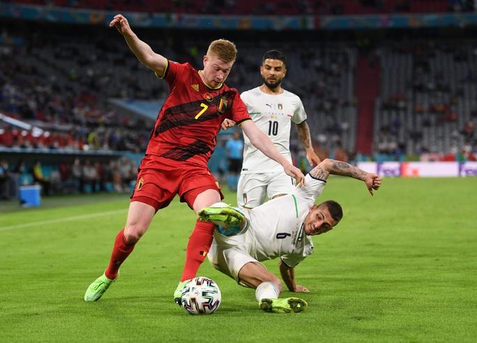 Tấn công rực lửa, Ý hạ gục đội bóng số 1 thế giới vào bán kết Euro - Ảnh 6.