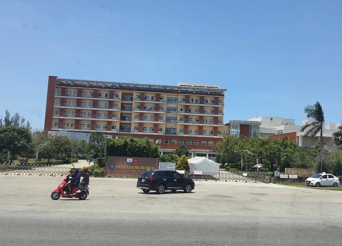 Người thứ 4 mắc Covid-19, 1 bệnh viện ở Quảng Nam tạm phong tỏa - Ảnh 1.