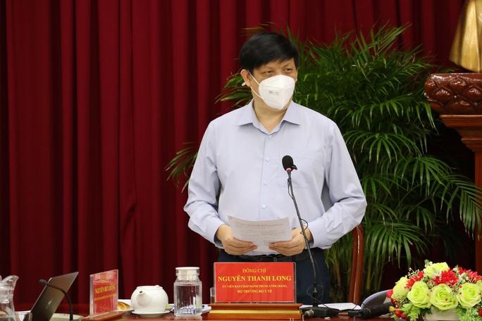 Bộ trưởng Nguyễn Thanh Long: Thực hiện Chỉ thị 16 càng nghiêm thì càng đỡ lây nhiễm - Ảnh 1.