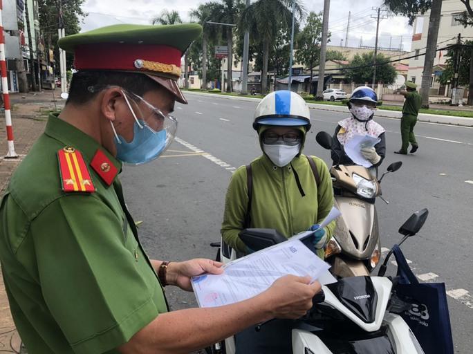 Bộ trưởng Nguyễn Thanh Long: Thực hiện Chỉ thị 16 càng nghiêm thì càng đỡ lây nhiễm - Ảnh 4.