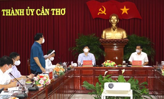 Bộ trưởng Nguyễn Thanh Long: Thực hiện Chỉ thị 16 càng nghiêm thì càng đỡ lây nhiễm - Ảnh 2.