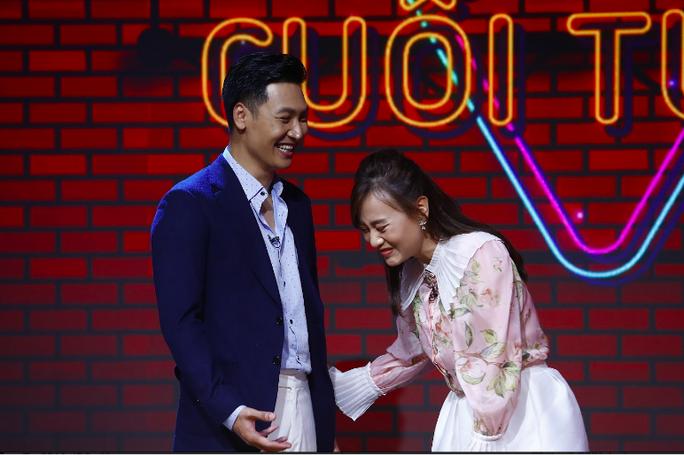 Phương Oanh - Mạnh Trường đưa nhau vào rạp xem Hương vị tình thân trong cuộc hẹn cuối tuần - Ảnh 2.