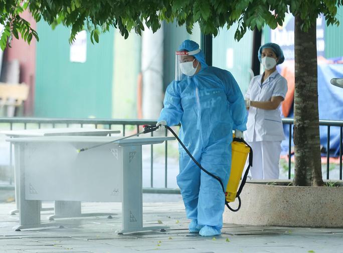 Hai mẹ con phát hiện mắc Covid-19 khi khám tại Bệnh viện Xanh Pôn - Ảnh 1.