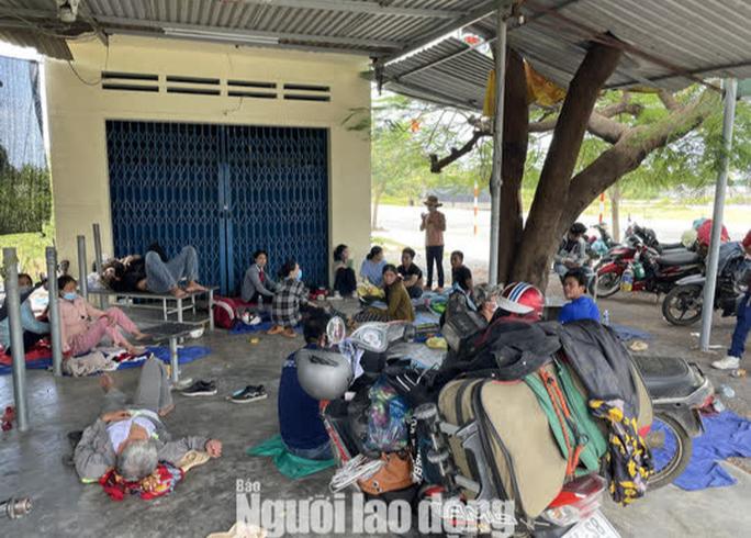Yêu cầu các tỉnh vận động người dân ở TP HCM, Bình Dương, Đồng Nai... không về quê - Ảnh 2.