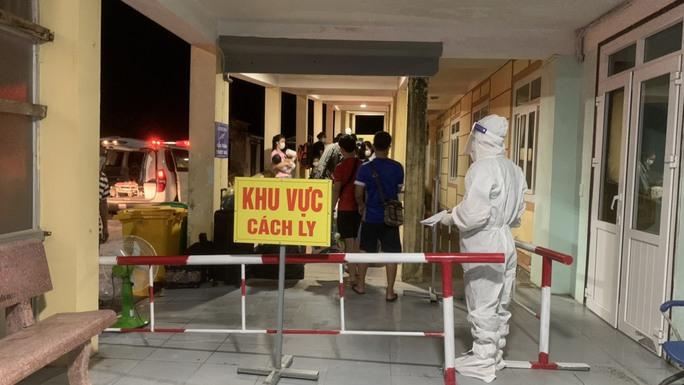 Quảng Bình phát hiện thêm 1 tài xế dương tính với SARS-CoV-2 - Ảnh 1.