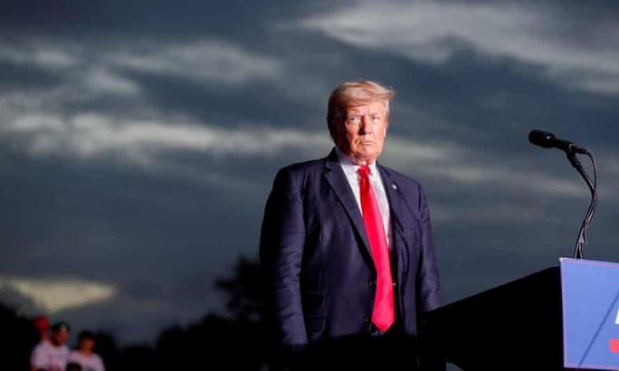 Ông Trump lại gặp chuyện nhức đầu - Ảnh 1.