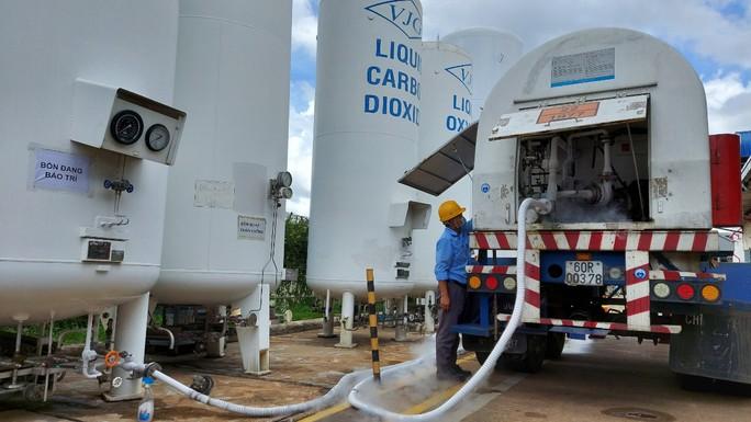 Cận cảnh nhà máy sản xuất ôxy cung cấp cho điều trị bệnh - Ảnh 6.
