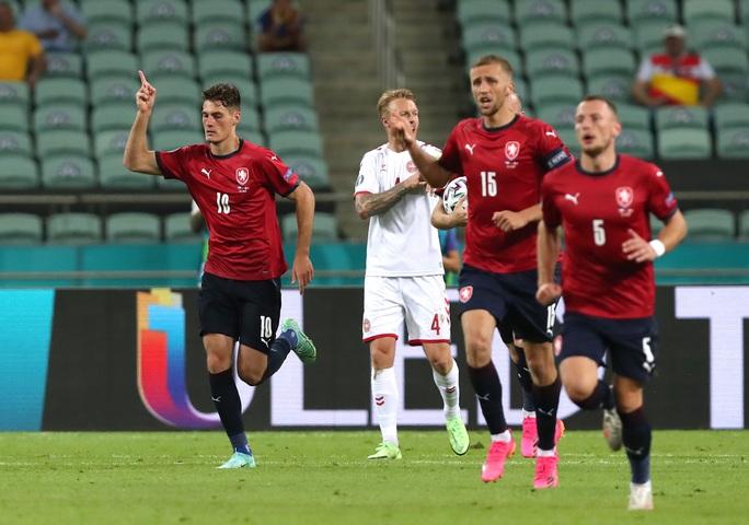 Đan Mạch xuất sắc vào bán kết Euro 2020 - Ảnh 16.