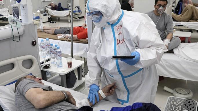 Covid-19 tại Indonesia: Bệnh viện ngậm ngùi nhìn 63 bệnh nhân tử vong - Ảnh 4.