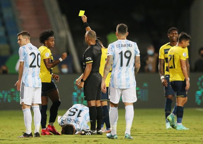 Messi trình diễn siêu hạng, Argentina hạ Ecuador vào bán kết Copa America - Ảnh 2.