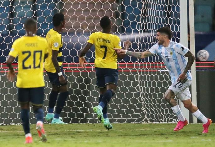 Messi trình diễn siêu hạng, Argentina hạ Ecuador vào bán kết Copa America - Ảnh 4.