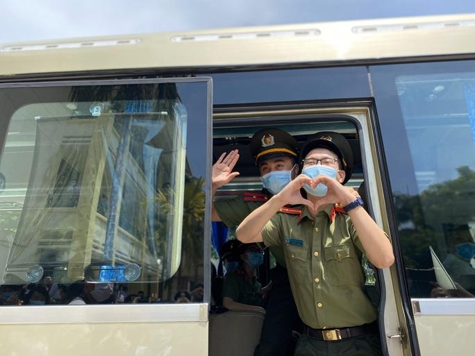 53 y, bác sĩ Đà Nẵng chi viện TP HCM chống dịch Covid-19 - Ảnh 2.