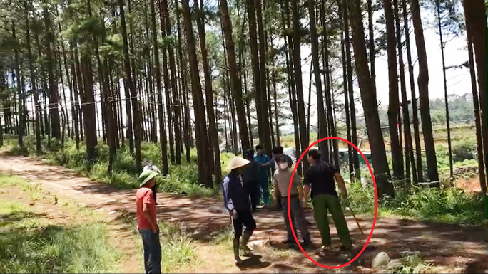Đà Lạt: Bắt khẩn cấp kẻ chiếm đất rồi hành hung Phó chủ tịch phường - Ảnh 3.