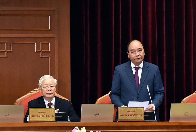 Chủ tịch nước Nguyễn Xuân Phúc điều hành phiên khai mạc Hội nghị Trung ương 3 - Ảnh 1.