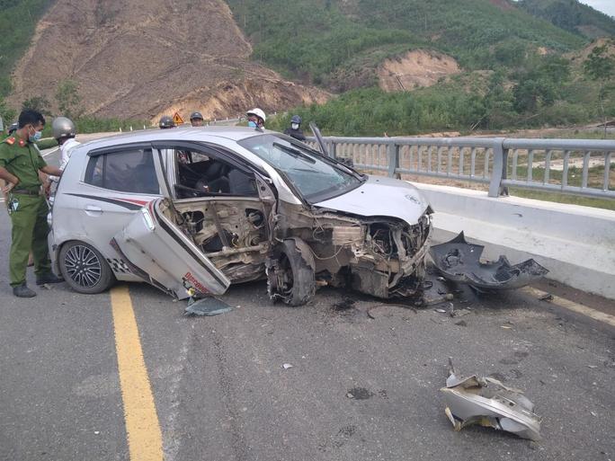 Quảng Nam: Cướp ôtô bỏ chạy rồi tự gây tai nạn - Ảnh 1.