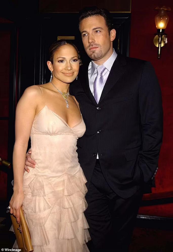 Jennifer Lopez quyến rũ ở tuổi 52 - Ảnh 7.