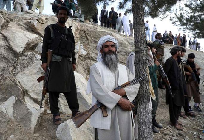 Taliban đánh lớn ở Afghanistan - Ảnh 1.
