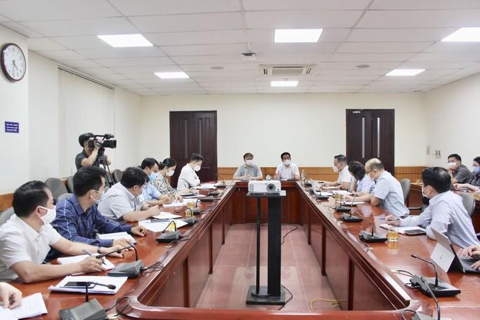 Bộ Công Thương họp khẩn về cung ứng hàng hóa cho TP HCM và các tỉnh phía Nam - Ảnh 1.