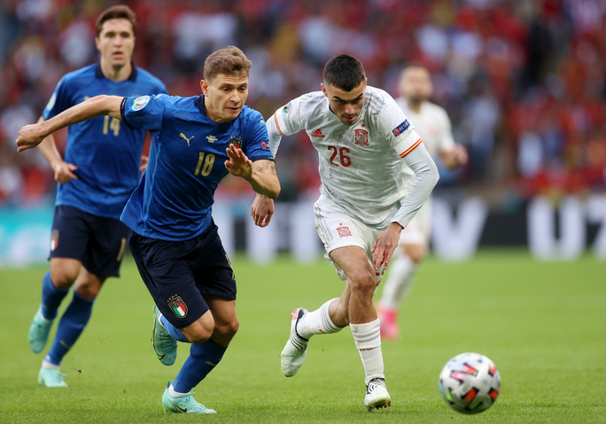 Lukaku chiếm sóng Ronaldo, góp mặt đội hình tiêu biểu Euro 2020 - Ảnh 5.