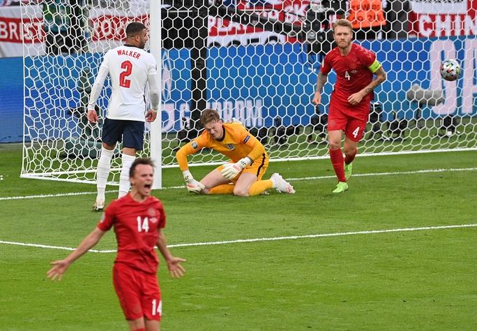 Được hưởng phạt đền, tuyển Anh vào chung kết Euro 2020 - Ảnh 2.