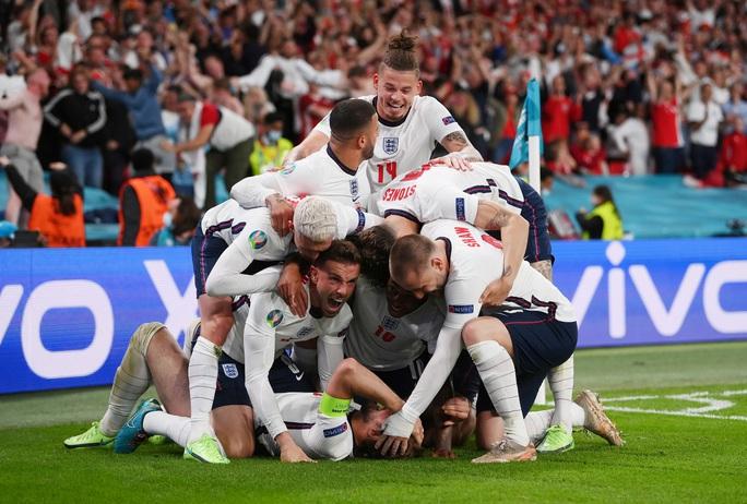 Được hưởng phạt đền, tuyển Anh vào chung kết Euro 2020 - Ảnh 10.
