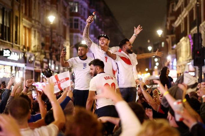 Cả nước Anh háo hức chờ lên đỉnh nếu Tam sư vô địch Euro 2020 - Ảnh 7.