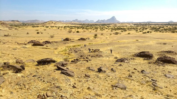Sốc: hàng ngàn mộ cổ xếp thành bản đồ thiên hà hiện ra giữa sa mạc - Ảnh 1.