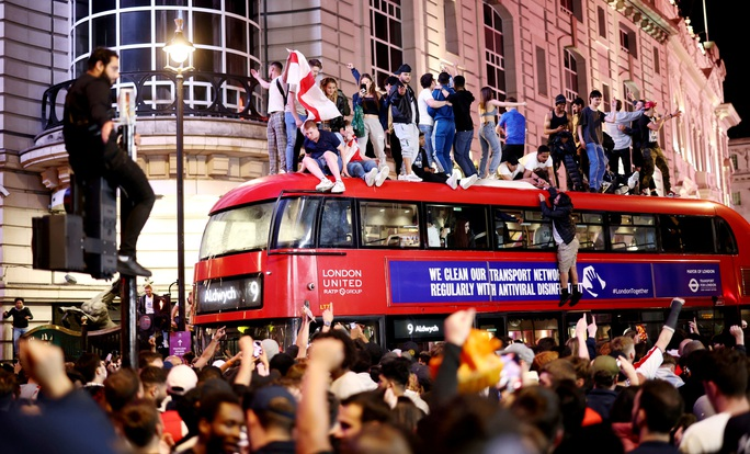 Cả nước Anh háo hức chờ lên đỉnh nếu Tam sư vô địch Euro 2020 - Ảnh 8.