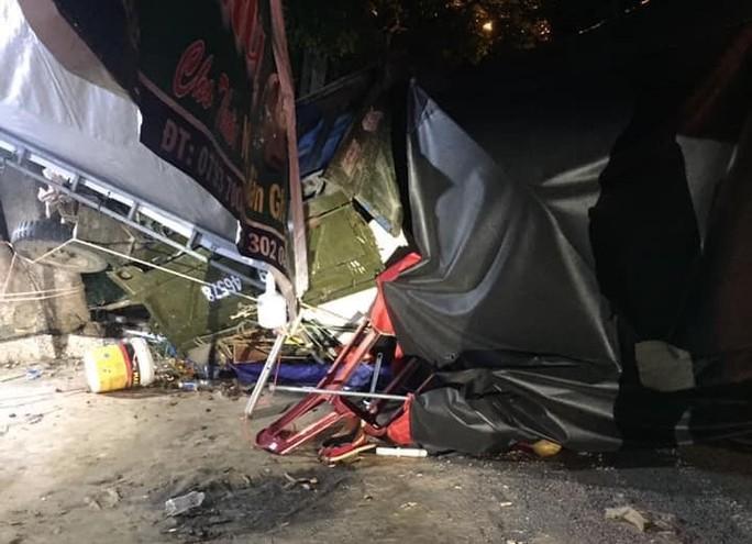 5 người trong gia đình gặp nạn khi rời TP HCM về quê bằng xe ba gác - Ảnh 1.